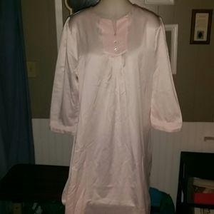 Carol Hochman Ladies Long Night Gown. Size XL